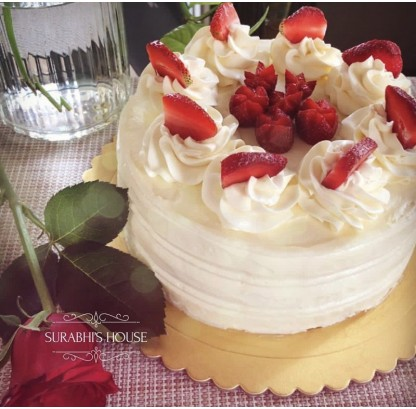 Vanilla & Strawberry Gateau