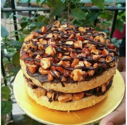 Honey Nut Crunch Cake