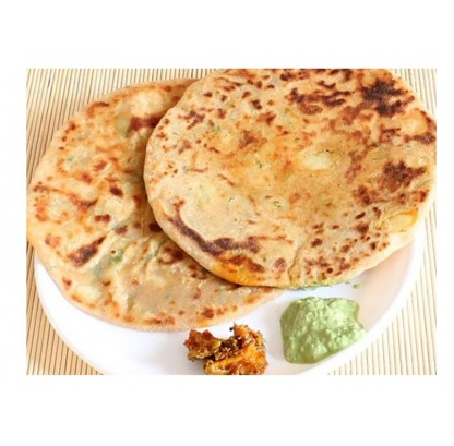 Aloo Parantha With Curd & Pickle